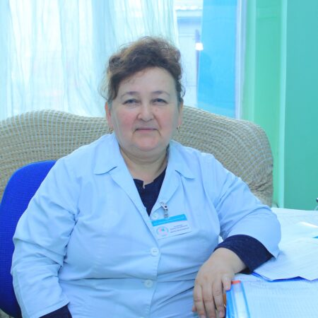 Елчибаева Хадиша Заттыбековна Врач физиотерапевт высшей катигории стаж более 25 лет-min